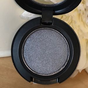 MAC Eye Shadow * Knight